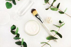 make up brush on a white background